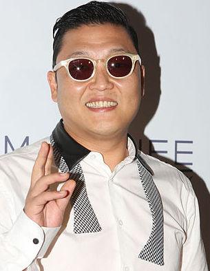 """Un miliardo di accessi su You Tube e """"Gangnam Stile"""" di PSY entra nella storia"""