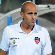 Disfatta a Carrara,          finisce 5 a 0. Il Sorrento è ultimo