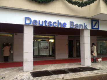 Rapina alla Deutsche Bank: il bottino è di 20mila euro