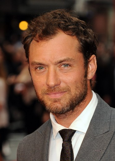 Jude Law, a quarant'anni l'emblema del fascino british