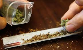 Un ragazzo incensurato di 19 anni arrestato per spaccio di droga