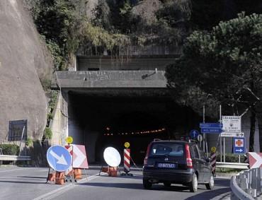 Nuova chiusura per la galleria di Seiano e senso unico alternato lungo la Sorrentina