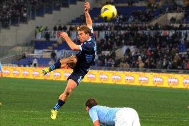 Il Napoli acciuffa la Lazio allo scadere: All'Olimpico finisce 1 a 1