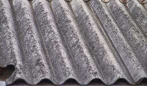 Rischio amianto in un edificio del centro di Sorrento