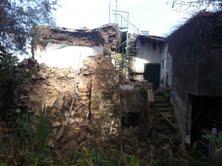 Crollata parte dell'abitazione di proprietà comunale che sorge presso i Bagni della Regina Giovanna