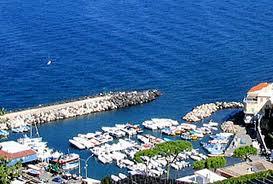 Continua la querelle tra il Comune di Massa Lubrense e l'Autorità di Bacino del Sarno sul porto di Marina della Lobra