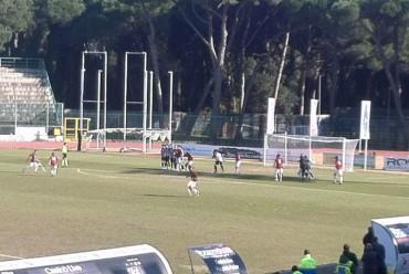 Il Sorrento crolla nel finale a Viareggio e perde 2 a 1