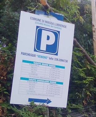 A Massa Lubrense via libera ai parcheggi estivi, sconti per i residenti