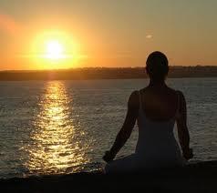 A Sorrento serata relax con yoga in riva al mare