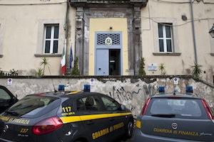 Evasione fiscale su proventi illeciti, operazione della Finanza nell'area vesuviana e sorrentina