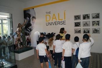 Dalì conquista le scuole, tra una settimana l'apertura della mostra