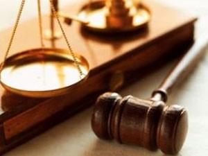 Gli avvocati in crisi chiedono aiuto a De Luca