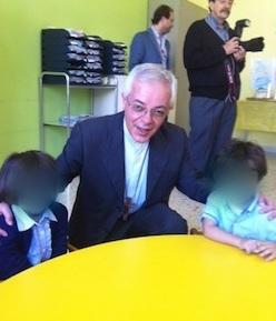 L'arcivescovo Alfano in visita all'asilo nido del Capo di Sorrento