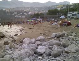 Spiaggia pulita a Vico, via libera alla colonia per bambini