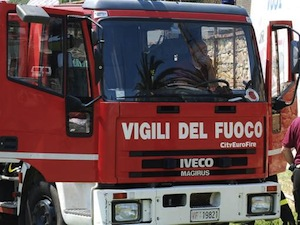 Cade albero, tragedia sfiorata a Massaquano