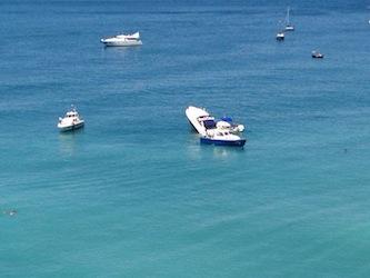 Cola a picco barca di 15 metri nel mare di Meta
