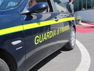 Dirigente comunale e titolare di azienda di trasporti arrestati a Sorrento