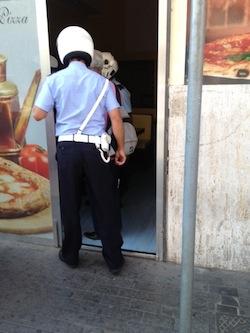 Ring in piazza Lauro: botte tra padre e figlio