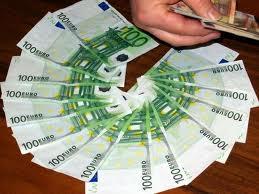 Utilizzavano banconote false per lo shopping: arrestati dai carabinieri