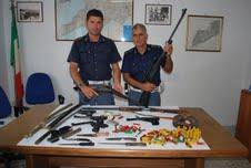 Arsenale scoperto dalla polizia in casa di un uomo di Massa Lubrense