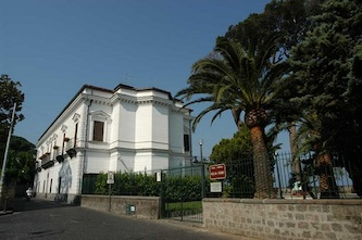 Torna il doppio senso a via Ripa di Cassano, è lite tra Sant'Agnello e Piano