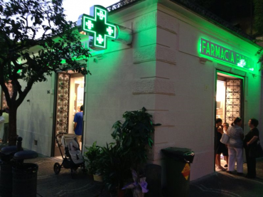 """Inaugurata in piazza Tasso la nuova farmacia """"Farfalla"""""""