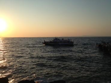 Grande suggestione per la processione in mare della Madonna del Soccorso