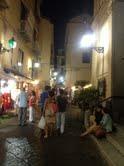 Si sente odore di gas in strada, paura nel centro storico di Sorrento