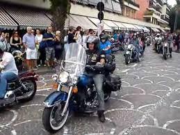 Per la penisola sorrentina un fine settimana nel paradiso delle Harley-Davidson