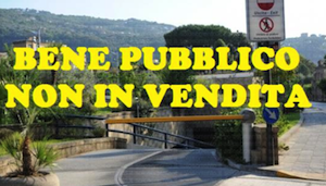 Un successo la raccolta firme contro la privatizzazione del parcheggio Achille Lauro di via Correale