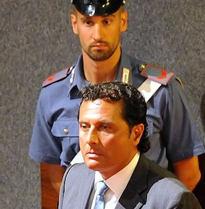 "Schettino dal carcere: ""Presto un video-verità"""