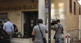 Un bottino da 40mila euro per il colpo alla Deutsche Bank di Sant'Agata