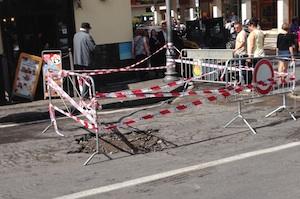 Maltempo, buche e voragini nelle strade di Sorrento