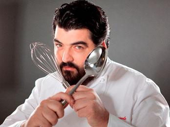 Lo chef Cannavacciuolo testimonial della raccolta differenziata a Napoli