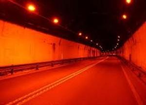 Il tunnel di Seiano apre il 16 luglio, via libera ai mezzi pesanti