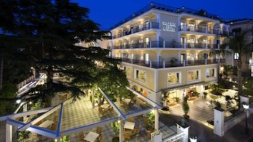 Sorrento da oggi conta un nuovo albergo a cinque stelle: il Grand Hotel La Favorita