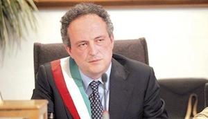 Il sindaco di Meta, Paolo Trapani passa al Pd