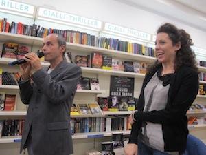 """""""Marina Bellezza"""" è il nuovo libro di Silvia Avallone presentato alla libreria Tasso di piazza Lauro"""