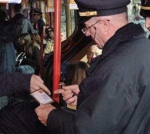 Portoghesi su bus e treni, l'Eav recupera 2,5milioni