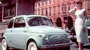 Fiat 500, a Sorrento il raduno della piccola utilitaria che segnò la storia del nostro Paese