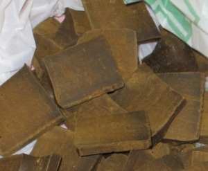Marijuana ed hashish in una casa di Massa Lubrense
