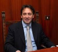 Il sindaco Leone Gargiulo spiega in un manifesto le ragioni dell'adesione al Pd