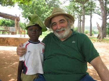 L'ortopedico sorrentino Umberto Aubry vince un prestigioso premio internazionale per il suo impegno per le popolazioni africane