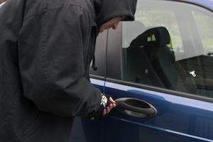Auto rubate in provincia di Napoli finivano in Spagna, 15 arresti – video –