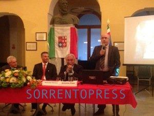 """Tanta emozione in comune per la consegna del premio """"Gente di Mare"""" a Vito Fiorino"""
