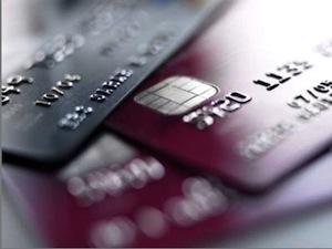 Sgominata in provincia di Napoli la gang delle carte di credito
