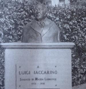 A Sant'Agata scoperto un busto in ricordo dell'ex sindaco Luigi Iaccarino