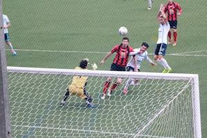 Crolla il Sorrento che perde 1 a 0 il derby con l'Aversa