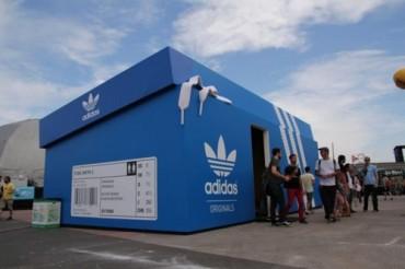 Il negozio Adidas ideato per il festival musicale Lollapalooza