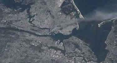 Stati Uniti, ecco le immagini dell'11 settembre 2001 viste dallo spazio